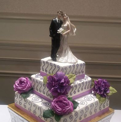 ricks_bakery_wedding_cake